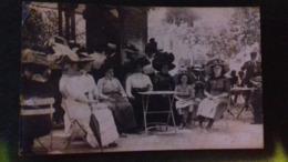 Aix Les Bains (73) Famille En Terrasse De Café.(S45.19) - Aix Les Bains