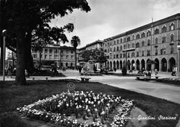 Cartolina Cagliari Giardini Stazione 1955 Timbro Visitate Sardegna - Cagliari