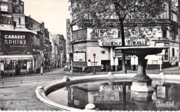 75 - PARIS 9 ème - Place Pigalle - Cabaret SPHINX - Cinéma PIGALLE - CPSM Dentelée Noir Blanc Format CPA - Seine - Paris Bei Nacht