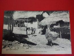 LAOS FEMME MEOS REVENANT DES RAIS HUA PAHN - Laos