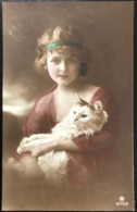 (1665) Mooi Meisje Met Een Mooie Poes -  1923 - Groepen Kinderen En Familie