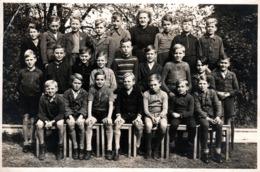 Grande Photo Originale Scolaire - Photo De Classe De Garçons & Maîtresses Vers 1940/50 - Allemagne - Anonymous Persons