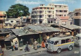 DAKAR (Sénégal): Un Aspect Typique De La Ville (Fourgon Citroën à Identifier) - Senegal