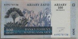 Billete Madagascar. 100 Ariary. 2004. Sin Circular. - Madagascar