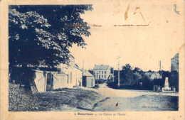 59 NORD Centre Village, Monument Aux Morts Et Ecole De BEAURIEUX - France