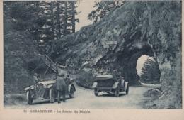 GERARDMER (Vosges) - La Roche Du Diable- Beau Plan : Une Cottin& Desgouttes En Stationnement - Gerardmer