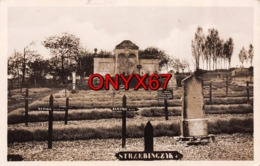 BRIEULLES (Meuse) Cimetière Militaire Allemand-FRIEDHOF-Argonne-5900 Graeber Die Gebeinhalle - Cimiteri Militari