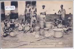 DAHOMEY- MARCHE D ADJARRA- FABRICANTS DE PANIERS AUX ENVIRONS DE PORTO NOVO - Dahomey