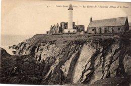 La Pointe Du Raz Pointe St Mathieu Les Ruines De L'abbaye Le Phare - La Pointe Du Raz