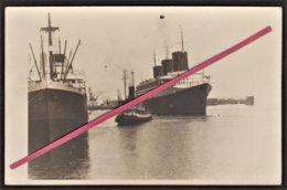 """LE HAVRE -- Carte Photo Paquebôt """"Normandie"""" & Remorqueur 1939_ Compagnie Générale Transatlantique _ French Line _ C.G.T - Le Havre"""
