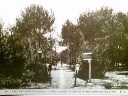 Lacanau - Océan (Gironde). Piste Cimentée Du Bord De La Mer Allant Au Cap Ferret. Alte, Seltene AK S/w. Weg Zu - Frankreich