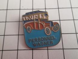 719 (pas 717)  PINS PIN'S / Beau Et Rare : Thème TRANSPORTS / VIEIL AUTOBUS PERSONNEL WAGNER - Trasporti