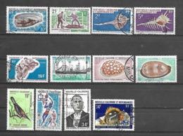 C 60 Nouvelle Calédonie Lot De 12 Timbres Entre N°354 Et 388 Obl - Gabon (1960-...)