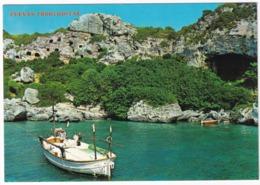 Menorca - Cala Coves : Cuevas Trogloditas - (Baleares) - Menorca