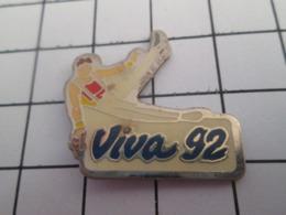 719 (pas 717)  PINS PIN'S / Beau Et Rare : Thème   SPORTS / GYMNASTIQUE CHEVAL D'ARCON VIVA 92 - Gymnastiek
