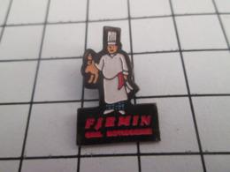 719 (pas 717)  PINS PIN'S / Beau Et Rare : Thème ALIMENTATION / GRILL ROTISSERIE FIRMIN POULET SANS TETE CHEF CUISINIER - Levensmiddelen