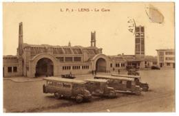 LENS - 62 - Gare - Automobiles Voitures Autos Autobus Car Autocar - * Timbre Arraché * - Lens