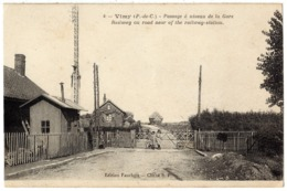 VIMY ( Entre Arras Et Lens ) - 62 - Passage à Niveau De La Gare - Enfant Garde Barrière ? - Ligne De Chemin De Fer - Autres Communes