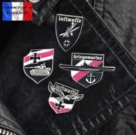Lot De 4 Pins Pin's NEUFS En Métal ( Brooch ) - WW2 Armée Allemande German Army - Militaria