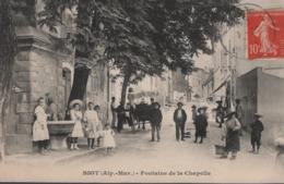 BIOT (Alp.-Mar.) - Fontaine De La Chapelle - Très Beau Plan, Très Animée - Biot