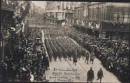 Photo 22 11 18 Défilé Des Soldats Américains Pour L'entrée Du Roi à Bruxelles Belgique Militaria Guerre 14 - Fotos