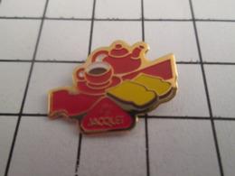 719 (pas 717)  PINS PIN'S / Beau Et Rare : Thème ALIMENTATION / PAIN GRILLE JACQUET CAFE - Levensmiddelen