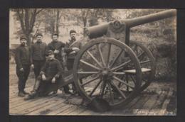 CPA Photo . Un Groupe DArtilleurs Servants Et Leur Canon - Guerra 1914-18