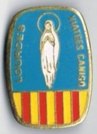 PIN Antiguo De Viatges Canigó De GERONA, Motivo Estelada Y Virgen De Lourdes - Ciudades