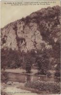 63 Chateauneuf Les Bains Les Roches Granitiques  Vue Prise Des Grands Bains - Frankrijk