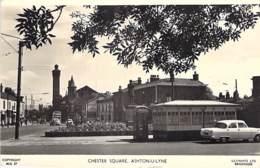 UK ENGLAND Angleterre ( Lancashire ) ASHTON-U-LYNE : Chester Square - CPSM Dentelée Noir Blanc Format CPA- - England