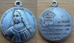 Mad-066 Médaille ,possibleven, Ag(pas Vu De Poinçon)Soeur Thérèse De L'Enfant Jésus, Anagramme MF1873-1897 - Religione & Esoterismo