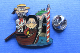 Pin's,BD,ville,ITALIA,VENISE,GONDOLIERE,chapeau,cigarette,bateau,limité Nr.009 - Pin's