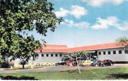 AFRIQUE NOIRE - CONGO - BRAZZAVILLE : Les Relais Aériens - Jolie CPSM Dentelée Colorisée Format CPA - Black Africa - Brazzaville