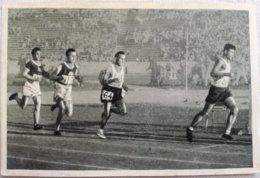 Foto Cromo Olimpiada De Los Ángeles. 1932. Nº 30. Atletismo 10000 Metros, Polonia Kusoczinski. Hecho En 1936 Berlín - Trading Cards