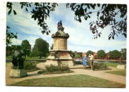 ENGLAND - AK 365556 Stratford-upon-Avon - Shakespeare's Statue - Stratford Upon Avon