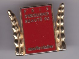 Pin's   PRIX D'EXCELLENCE BEAUTE 90 MARIE CLAIRE SIGNE ARTHUS BERTRAND - Parfum