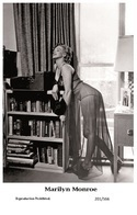 MARILYN MONROE - Film Star Pin Up PHOTO POSTCARD - 201-566 Swiftsure Postcard - Mujeres Famosas