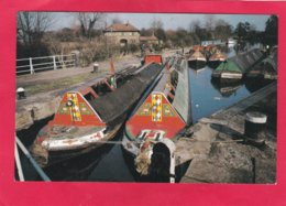 Modern Post Card Of Transport,Narrow Boats,Canal Barge,Narrow Boats At Batchworth Lock,X38. - Houseboats