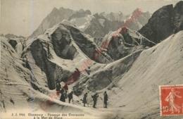 74.  CHAMONIX  .  Passage Des Crevasses à La Mer De Glace . - Chamonix-Mont-Blanc
