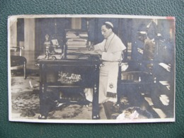 Carte Photo Du Pape Benoit XV 1920 Cachet Roma Ferrovia - Popes