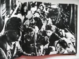 The Vietnam War Anti-war Book Poland 1969 Year - Geschichte