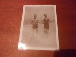 SNAPSHOT / PHOTO AMATEUR FORMAT 12/9CM HOMME MAILLOT BAIN  PLAGE ROYAN 1932 - Personnes Anonymes