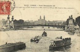 PARIS  Pont Alexandre III Peniches Bateau Mouche RV - Ponts