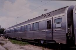 Photo Diapo Diapositive Slide Train Wagon Voiture INOX 05/08/2000 VOIR ZOOM - Dias