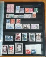 LOT DIVERS  - TIMBRES - MARCOPHILIE LETTRES -  CARNETS CROIX ROUGE  ETC - A VOIR - Briefmarken