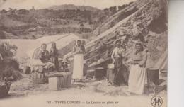 TYPES CORSES   LA LESSIVE EN PLEIN AIR - Altri Comuni