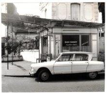 Libourne (33) - Photo Bar Chanzy - Bar Cécile, Rue Chanzy, Dans Les Années 60 - Voiture Citroën Ami 6 Devant Le Bar. - Photos