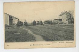 LES BORDES - La Gare (trains ) - Autres Communes