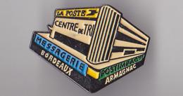 PIN'S THEME LA POSTE  CENTRE DE TRI MESSAGERIE POSTIMPACTI  BORDEAUX ARMAGNAC - Post