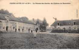 77. N° 104440 . Pierre Levee .la Maison Des Gardes Du Chateau De Montebise . - Autres Communes